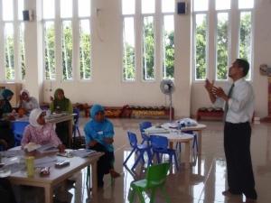 Suasana pelatihan seminar workshop guru pembicara seminar pelatihan untuk guru fasilitator agus sampurno